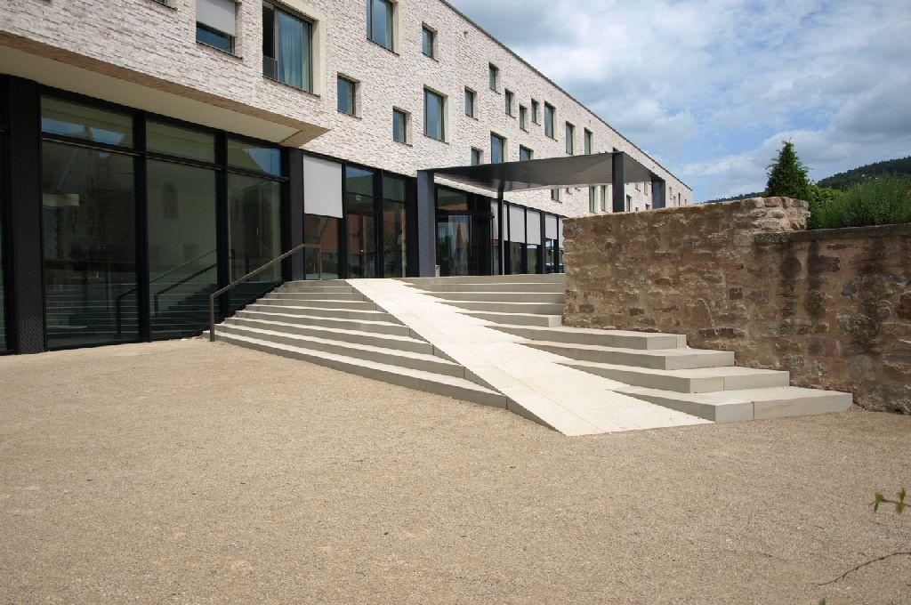 Morschen hotelanlage kloster haydau landschaftsbau for Architektur rampe